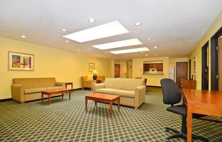 Best Western Ambassador Inn & Suites - Hotel - 10