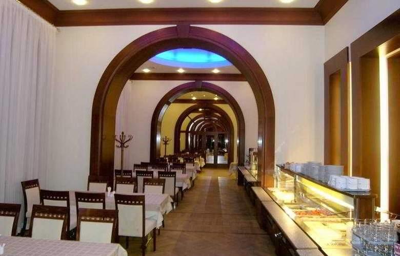 Oktiabrskaya - Restaurant - 8