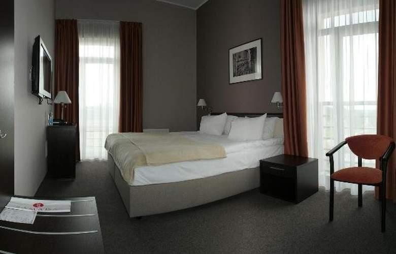 Ramada Lviv - Room - 2