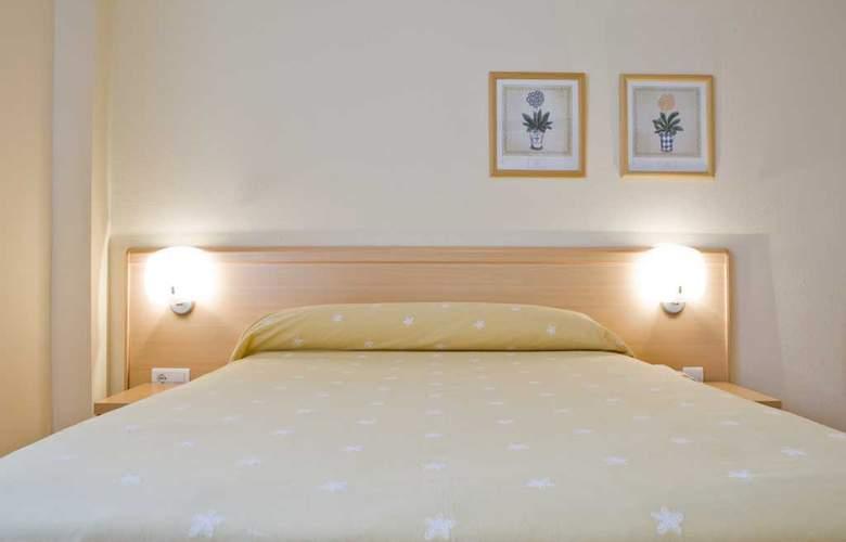 Los Arces Apartamentos - Room - 8