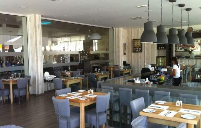 Melpo Antia - Restaurant - 14