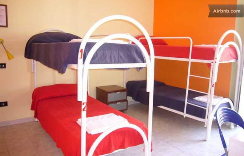 Mancini Hostel Naples - Room - 3