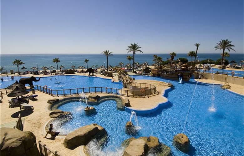 Holiday Palace - Pool - 18