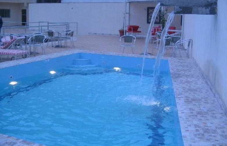 Presidente Hotel - Pool - 6