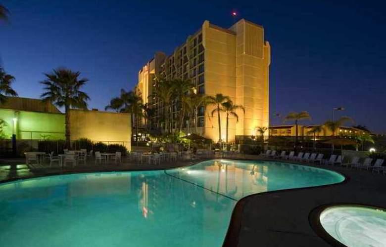 Hilton Irvine/Orange County Airport - Hotel - 2