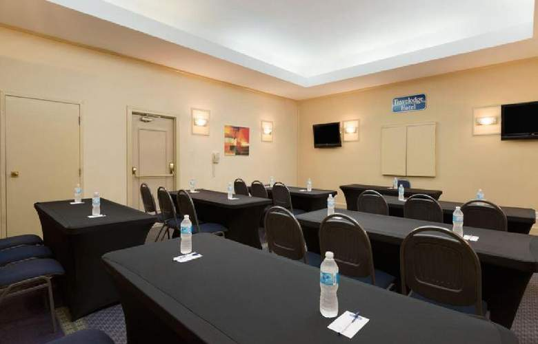 Travelodge Hotel Vancouver Airport - Conference - 15