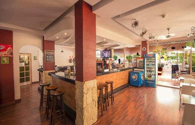 Azuline Apartamentos Sunshine - Bar - 22