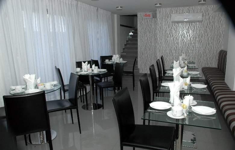Palm Beach Plaza - Restaurant - 2