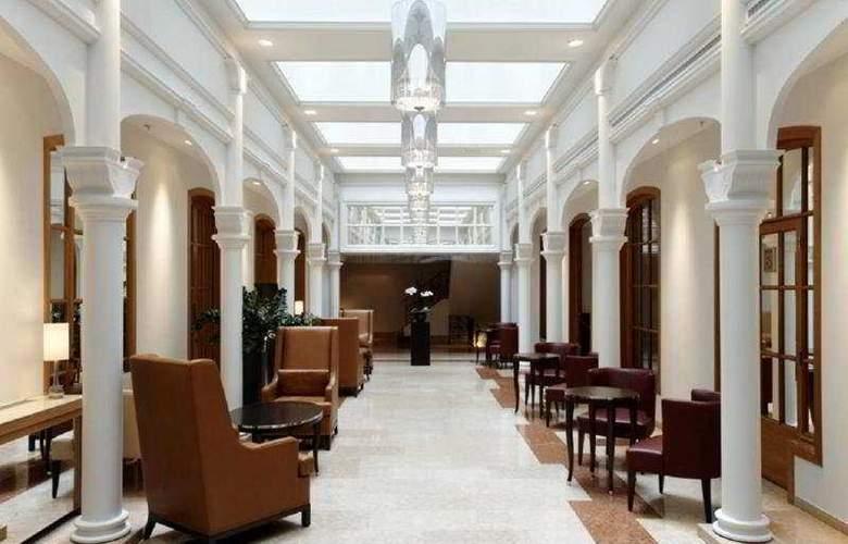 Park Plaza Victoria Amsterdam - Hotel - 0