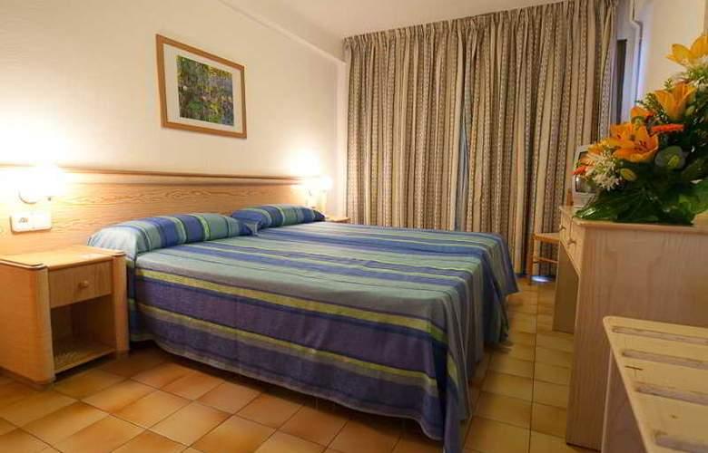 Hotel Apartamentos El Puerto - Room - 2