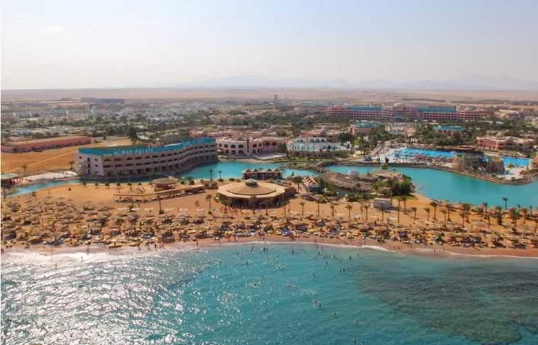 Golden 5 The Club Hotel - Beach - 1