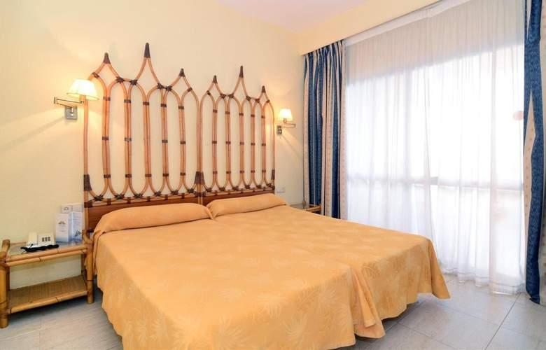 Pyr Fuengirola - Room - 18