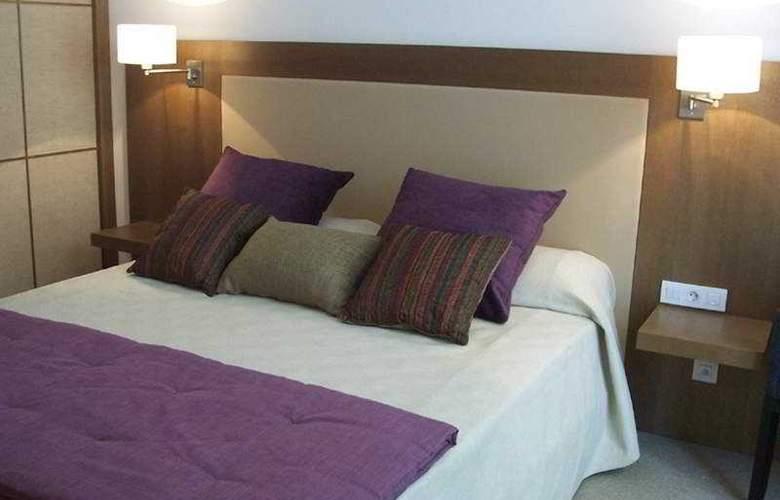 Molina Lario - Room - 1