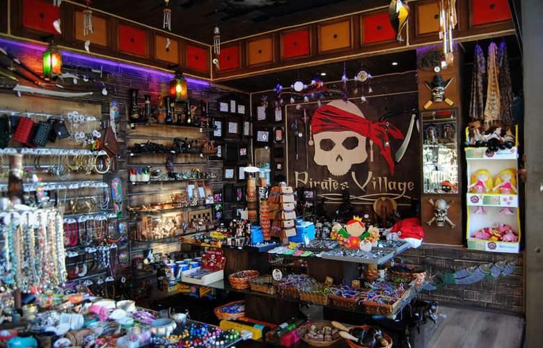 Pirates Village - Services - 34