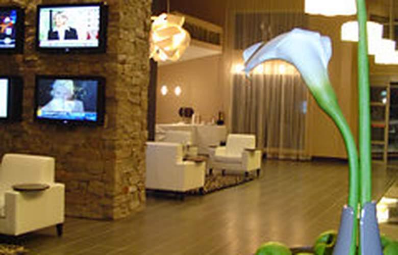 Sandman Signature Hotel Toronto Airport - General - 3