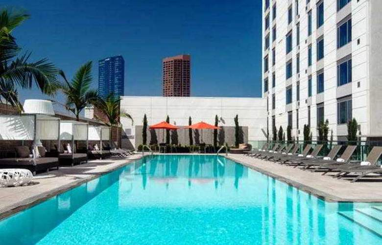 Courtyard By Marriott Los Angeles L.A. Live - Pool - 20