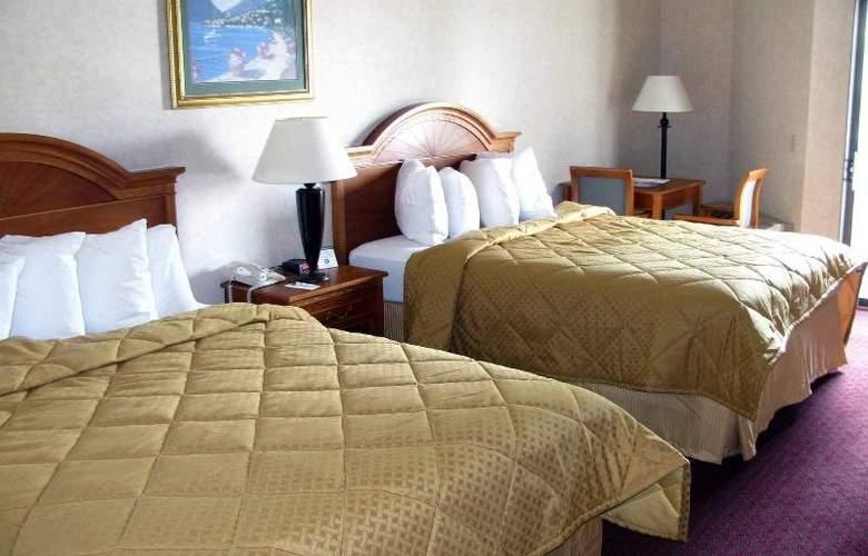 Quality Inn & Suites  Irvine Spectrum - Room - 2
