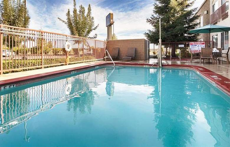 Best Western Plus Twin View Inn & Suites - Pool - 34
