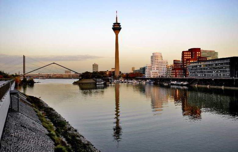 Innside Dusseldorf Hafen - Hotel - 9