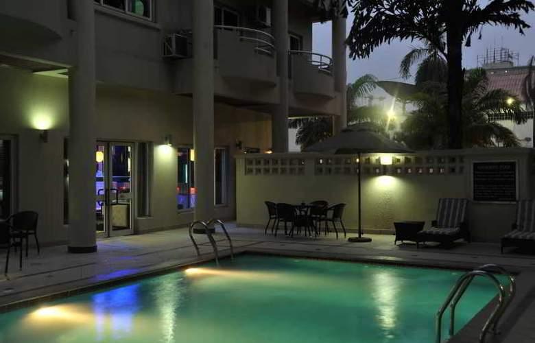 Protea Hotel Victoria Island - Pool - 3