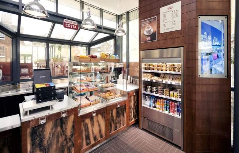 Hilton London Docklands Riverside - Bar - 45
