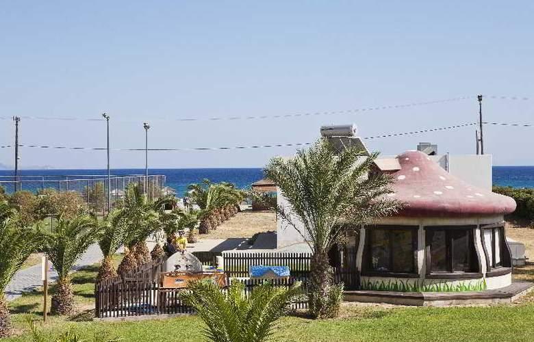 Sovereign Beach - Hotel - 9