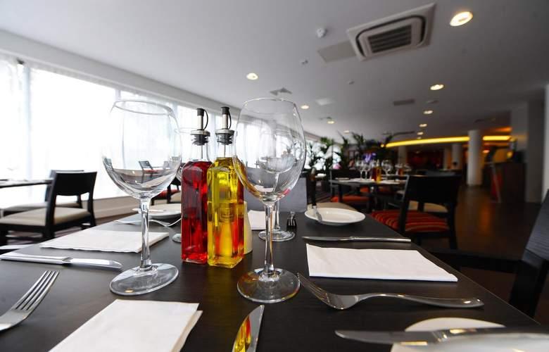 Holiday Inn London-Luton Airport - Restaurant - 5