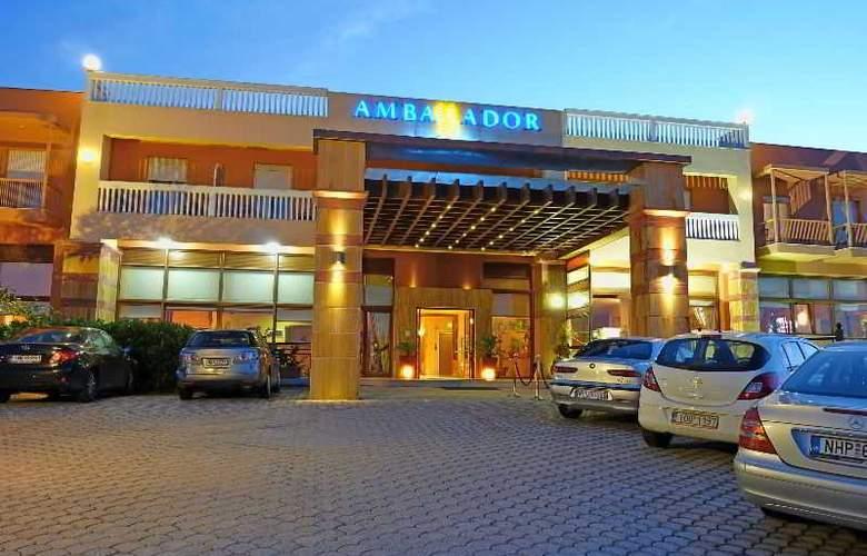 Ambassador Hotel - Hotel - 10