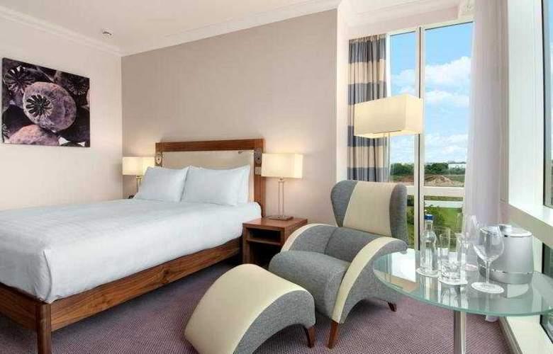 Hilton Reading - Room - 12