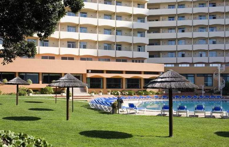 Axis Vermar - Hotel - 0