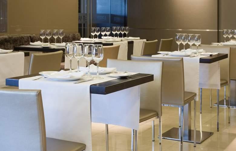 Zenit Pamplona - Restaurant - 26