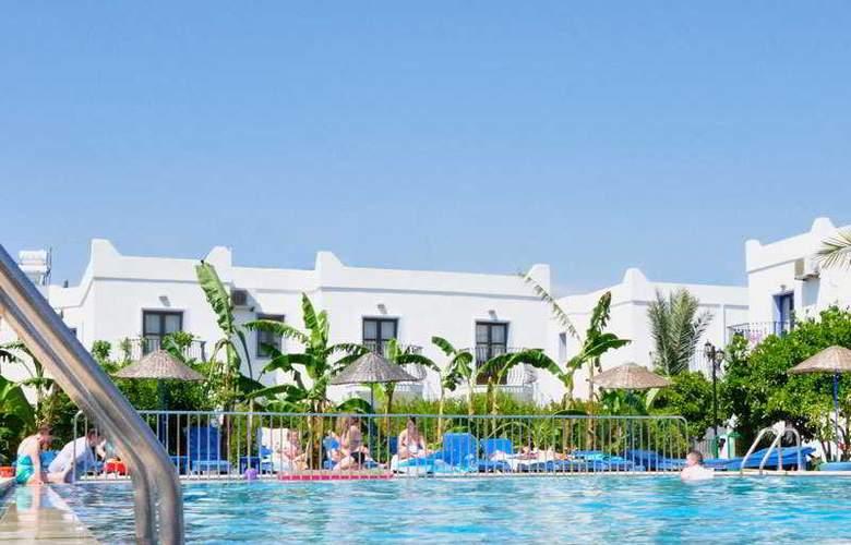 Dilek Hotel & Apartments - Hotel - 0
