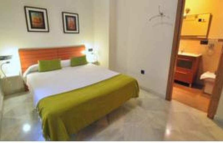 Living-Sevilla Apartments Lumbreras - Room - 1