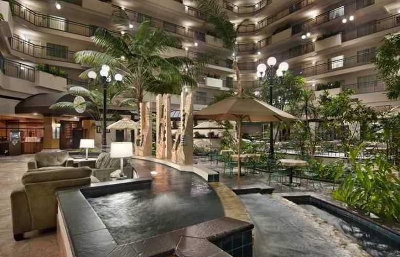 Embassy Suites Seattle Tacoma International - Hotel - 7