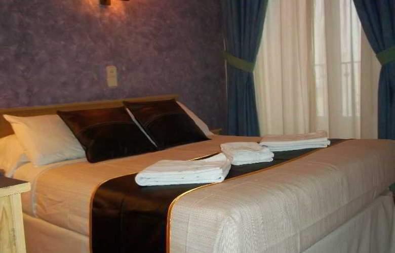 Oporto - Room - 6