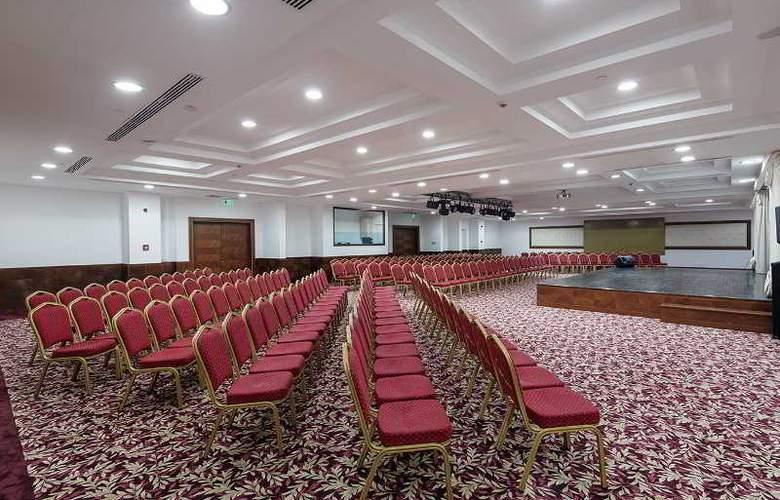 Alba Royal - Conference - 22