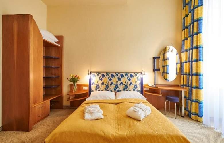 HiLight Suites Hotel - Room - 5