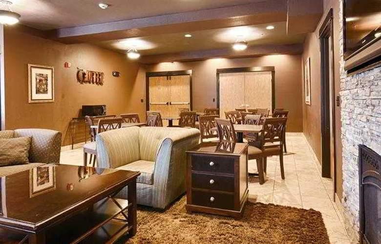 Best Western Plus Lincoln Inn - Hotel - 11