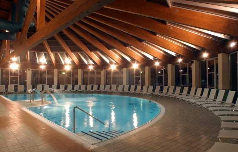 Lobios Caldaria Hotel Balneario - Pool - 4