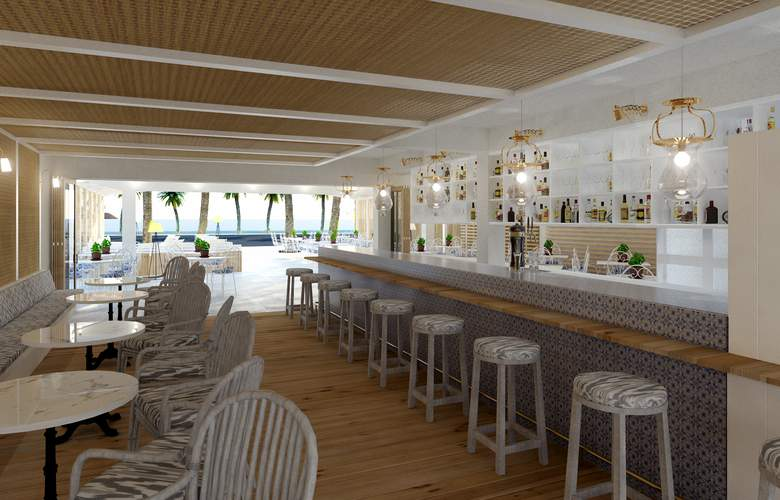 Romantic Hotel - Bar - 9