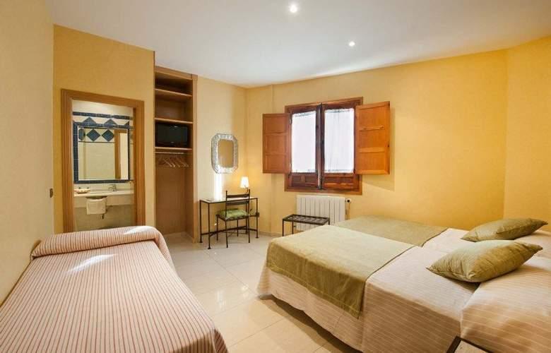 Hotel Sol - Room - 12