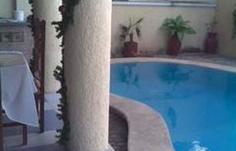 El Español - Pool - 2
