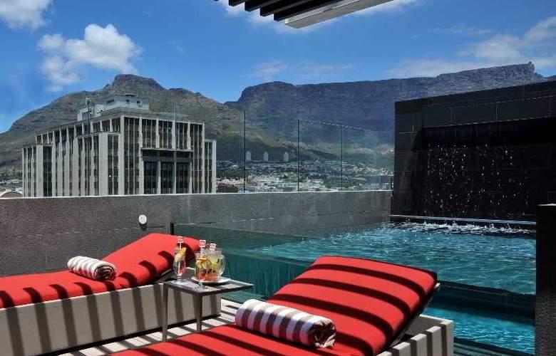 Park Inn by Radisson Cape Town Foreshore - Pool - 3