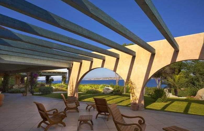 Resort Valle dell'Erica Talasso & Spa - Terrace - 6