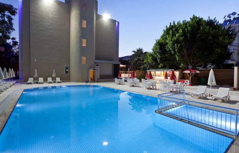 Seven Stars Exclusive Hotel - Pool - 6