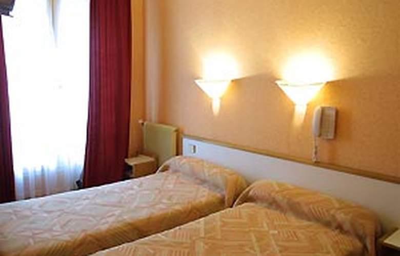 Little - Room - 6