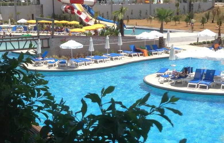 Terrace Elite Resort Hotel - Pool - 13