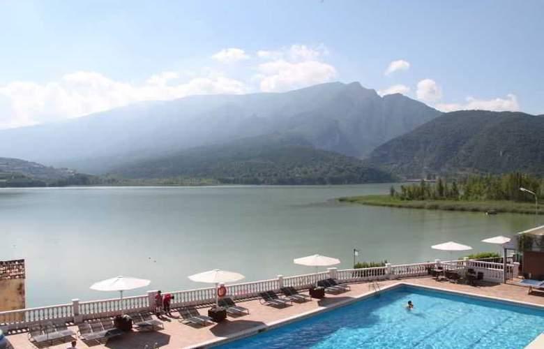 Hotel Terradets - Pool - 11
