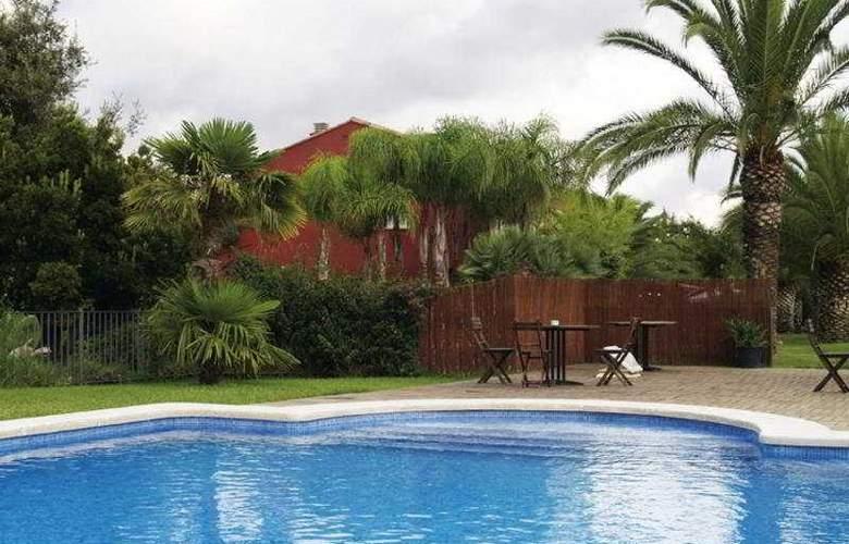 Valencia Golf - Pool - 0