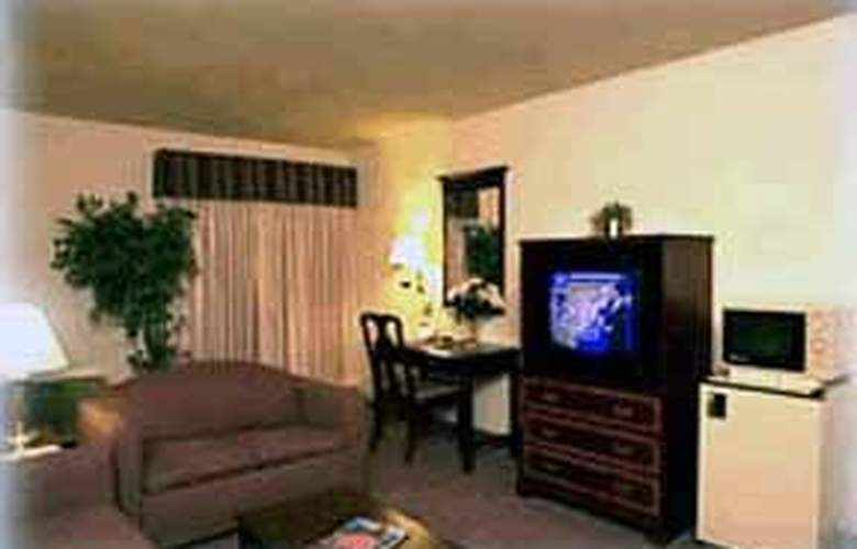 Clarion Inn & Suites Conference Center - Room - 2